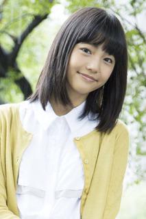 【LINEGAME CM】3周年記念ムービーの冒頭に登場する女子高生は誰?