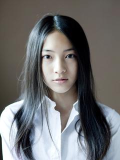 【NTTドコモCM】iPhoneに届く家族の優しさに車内で涙する女優は誰?