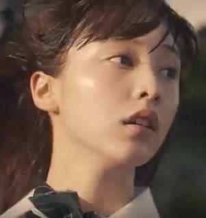 【cygames(サイゲームス)CM】バスを降りて全力で走る女子高生は誰?