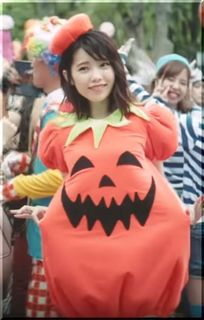 【ハロウィンジャンボ宝くじCM】かぼちゃのコスプレ、女優は誰?