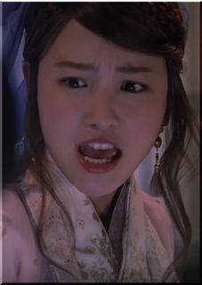 【au三太郎CM】竜宮城でバイトリーダーになった織姫、女優は誰?