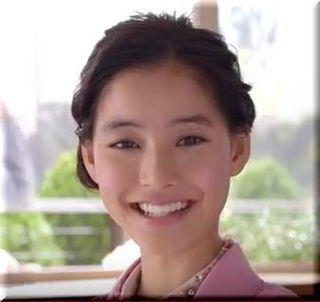 【ガストCM2016】ホワイ?¥599のチキテキを紹介する女優は誰?