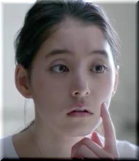 【チョコラBBプラスCM】朝起きてニキビを見つける女優は誰?