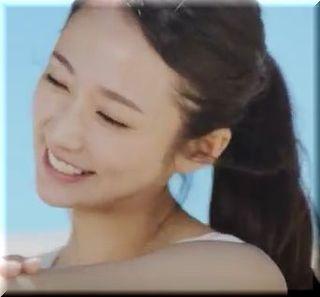 【花王ニベアサンCM】-5℃のウォータージェルでひやーとする女優は誰?