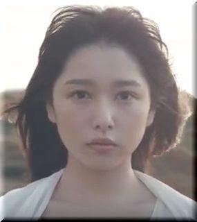【GROP CM】海に向かって将来を考える美少女は誰?