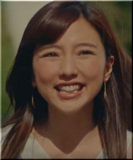 【鶏だしフォー2018CM】サラダ大好きサラ子さん、女優は誰?