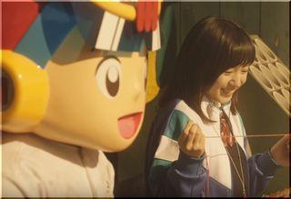 【minimini(ミニミニ)CM】野球のボールを縫い直す女子高生は誰?