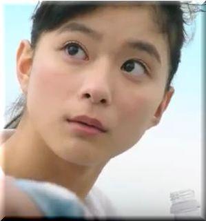 【三ツ矢サイダー2017CM】屋上でトランペットを吹く女優は誰?
