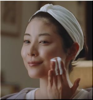 【メナード薬用ビューネCM】ビューネくん:竹内涼真に励まされる女優は誰?