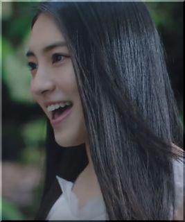 【お~いお茶新緑CM】「ひとりじゃないのよ♪」森で歌う女の子は誰?