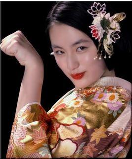 【京都きもの友禅CM】振り袖でポーズを決める女優は誰?