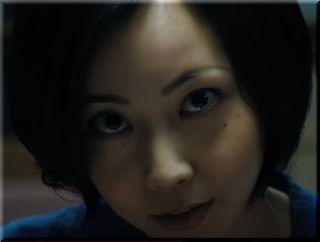 【ガスター10CM】夫を見つめる怖い顔の妻、女優は誰?