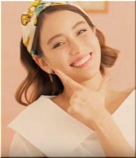 【デルモンテケチャップCM】笑顔でフライパンを振るモデルは誰?